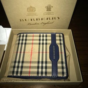 Burberry Wallet (Barely used)